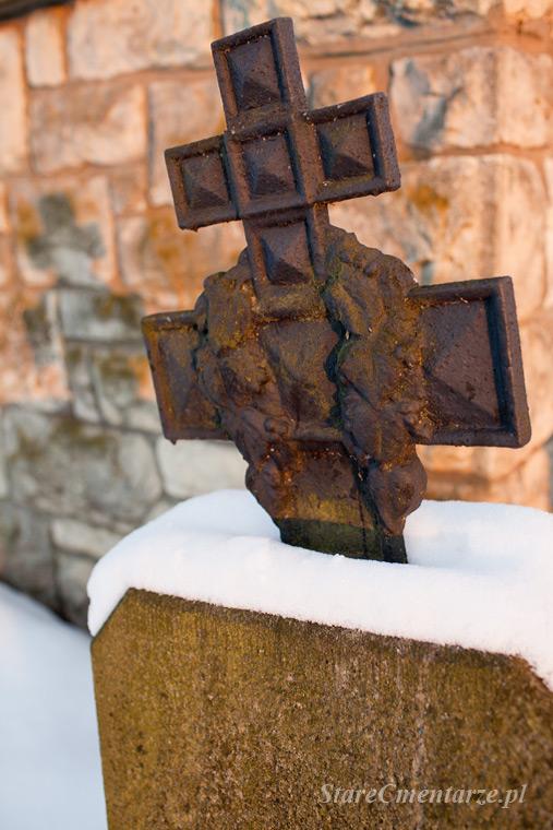 krzyż rosyjski nagrobek