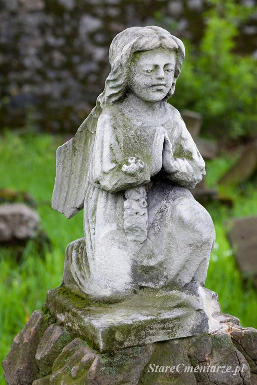 rzeźba aniołka