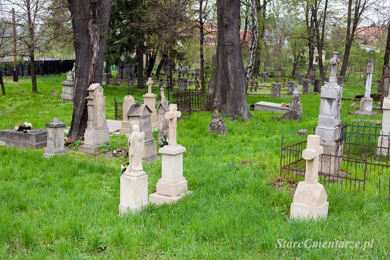 Tuchów cmentarz stary