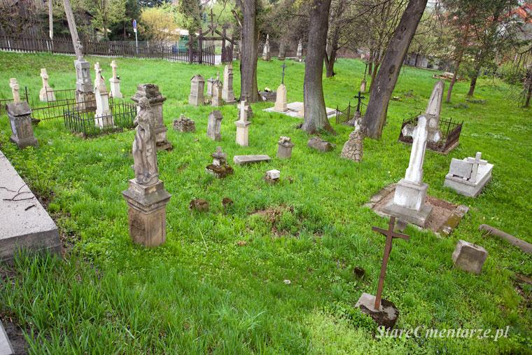 Stary cmentarz w Tuchowie.