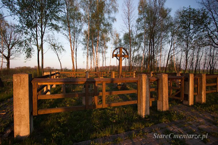 Jastrząbka Stara cmentarz wojenny nr 243 – Kriegerfriedhof.
