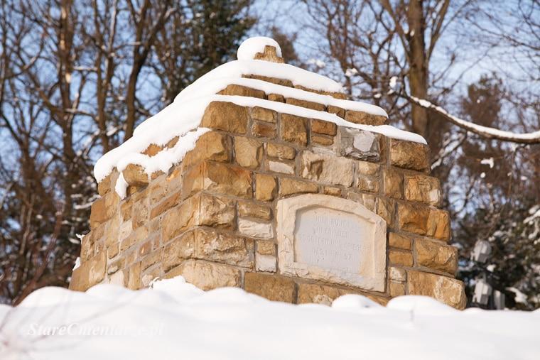 Łużna - Pustki pomnik
