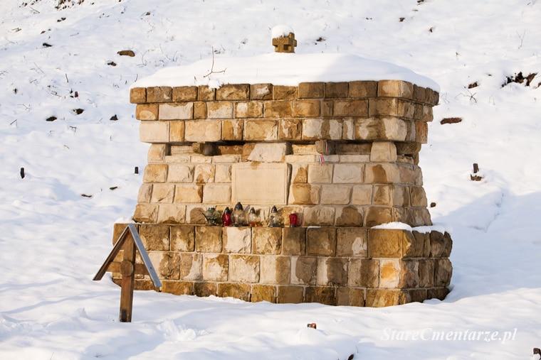 Luzna vojenský hřbitov