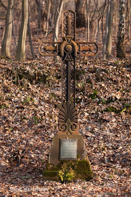 Golanka duży żeliwny krzyż