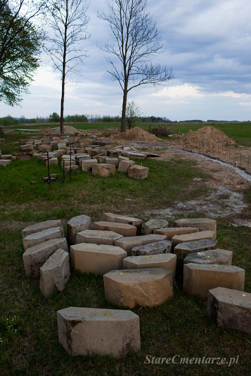 remonta cmentarza wojennego w Ołpinach