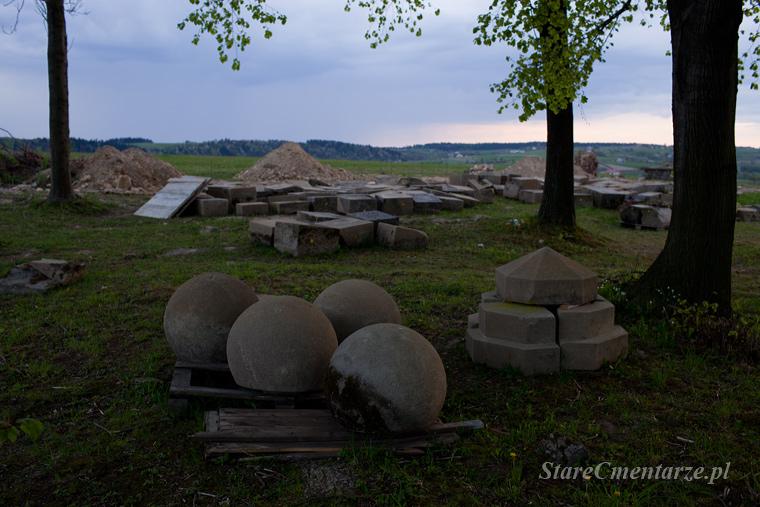 Ołpiny remont cmentarza
