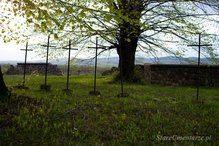 cmentarz wojskowy w Ołpinach