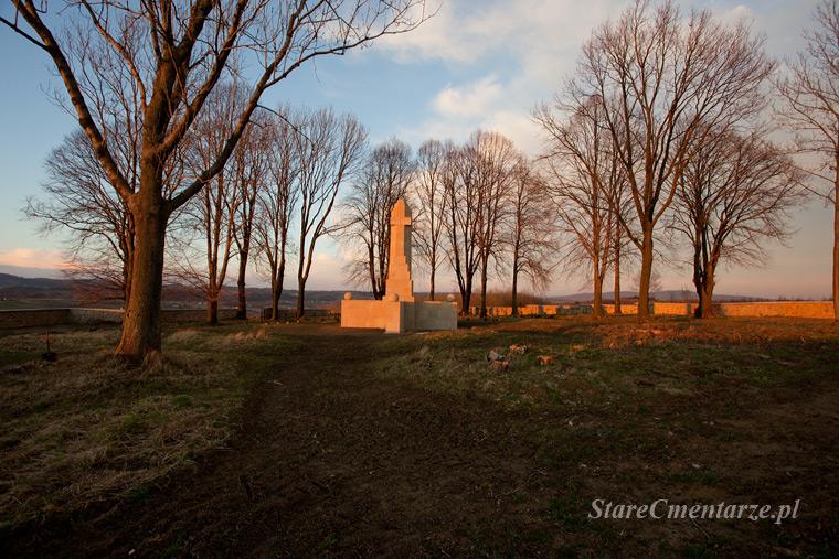 vojenské hřbitovy v polsku