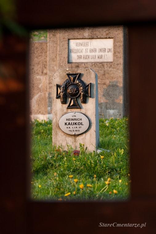 Cmentarz wojenny w Błażkowej