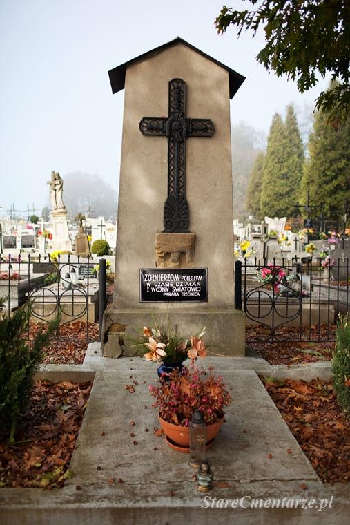 Trzcinica cmentarz nr 25
